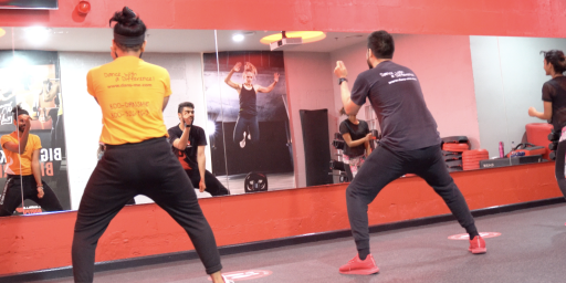 Snap Fitness brings you a Bollyfit workout that is  a sure shot calorie burner!