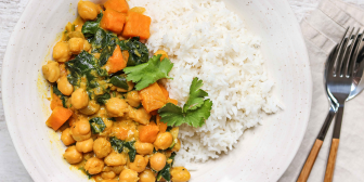 CHICKPEA, SWEET POTATO + SPINACH CURRY